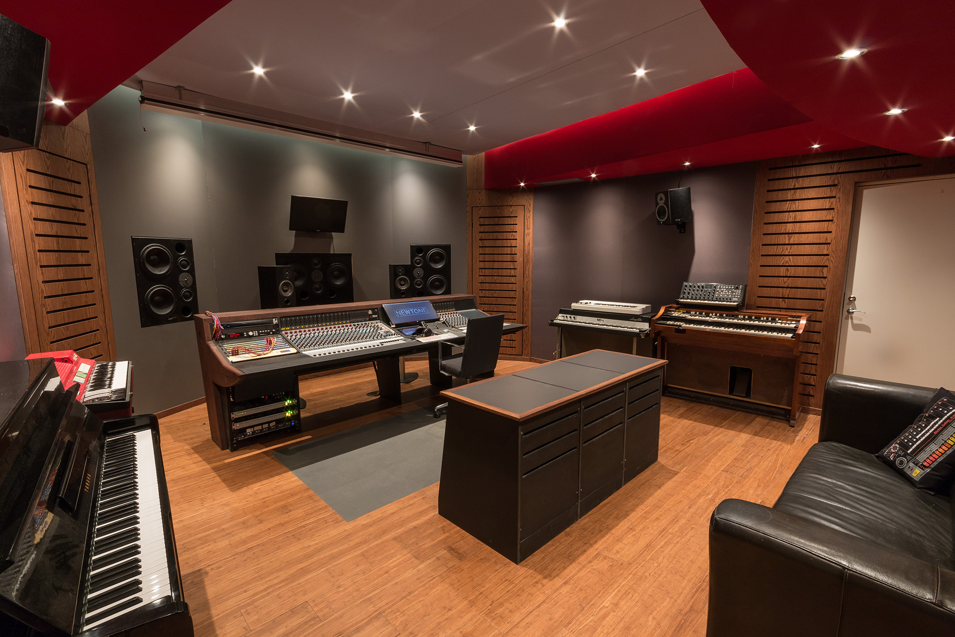 Facilities Newtone Studio
